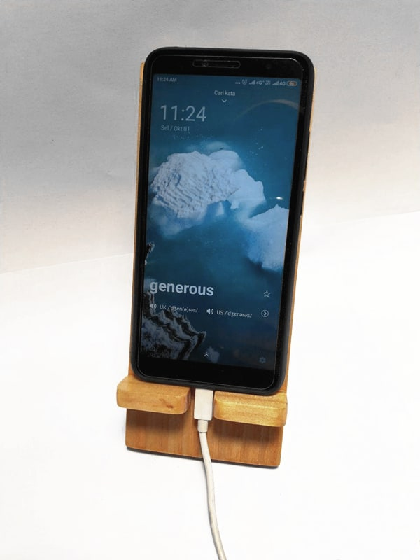 StandeeWood Phone Holder (6)